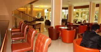 Dreamliner Hotel - Addis Ababa - Lobby