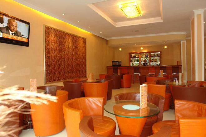 Dreamliner Hotel - Αντίς Αμπέμπα - Bar