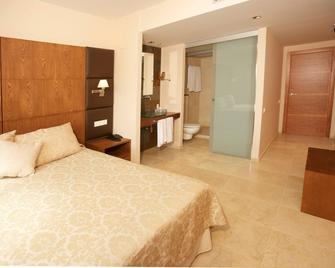 El Plantio Golf Resort - Alicante - Bedroom