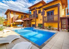 藍戈尼雅村旅館 - 烏貝蘭迪亞 - 烏巴圖巴 - 游泳池