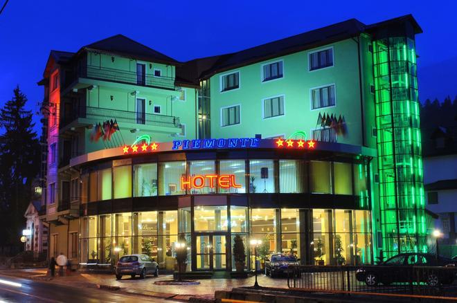Hotel Piemonte - Predeal - Κτίριο