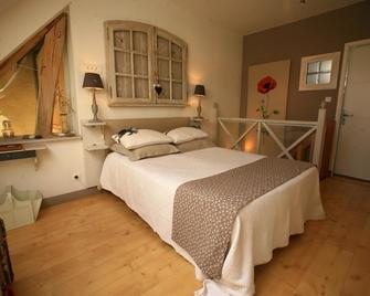 Chambre d'Hôtes Proche de Briare - Бріар - Bedroom