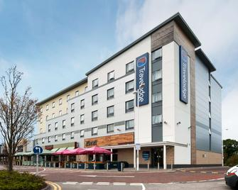 Travelodge Cheshire Oaks - Ellesmere Port - Gebäude