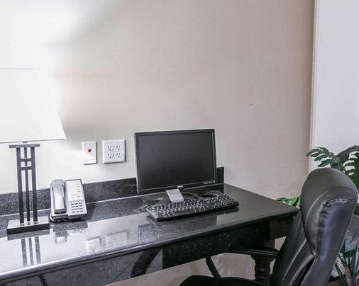 Sleep Inn & Suites - New Braunfels - Liikekeskus