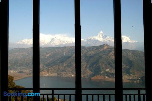 Peace Dragon Lodge & Restaurant - Pokhara - Ban công