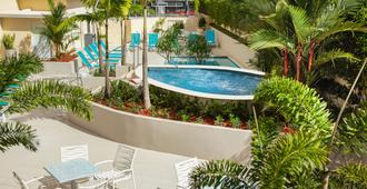 Best Western Plus Condado Palm Inn & Suites - San Juan - Piscina