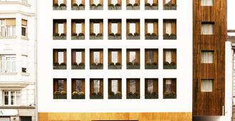 Square Nine Hotel Belgrade - Belgrado - Gebouw