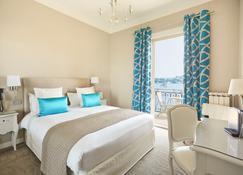 Welcome Hotel - Villefranche-sur-Mer - Bedroom