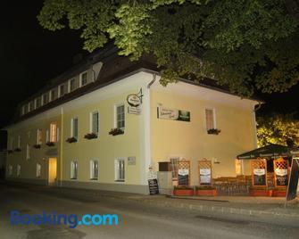 Gasthaus-Pension Schwarzer Graf - Windischgarsten - Building