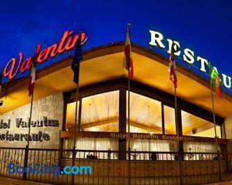 Hotel Valentin - Aguilar de Campóo - Building