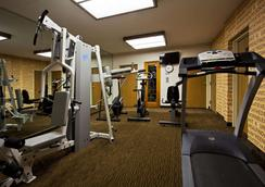 La Quinta Inn & Suites by Wyndham St. Pete-Clearwater Airpt - Clearwater - Gym