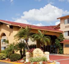 La Quinta Inn & Suites by Wyndham St. Pete-Clearwater Airpt