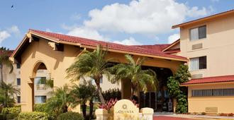 La Quinta Inn & Suites by Wyndham St. Pete-Clearwater Airpt - Clearwater