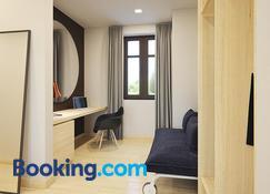 Sleepwell Apartments - Legnica - Living room