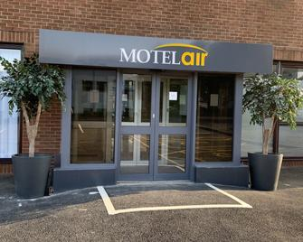 Motel Air Glasgow Airport - Пейслі - Building