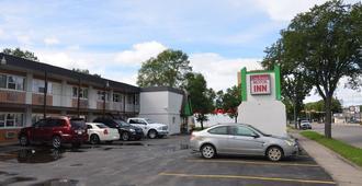 Coachman Inn - Regina - Building