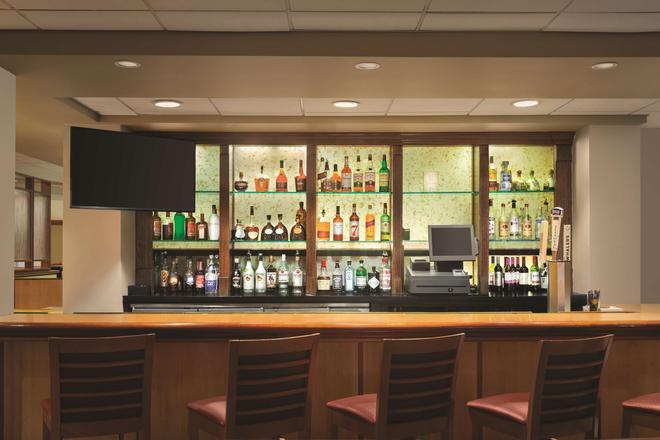 普羅維登斯機場拉迪森酒店 - 華威克 - 沃威克 - 酒吧