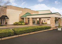 Radisson Hotel Providence Airport - Warwick - Building
