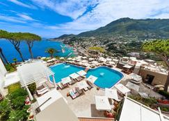 聖蒙塔諾Spa度假酒店 - 拉科阿梅諾 - 游泳池
