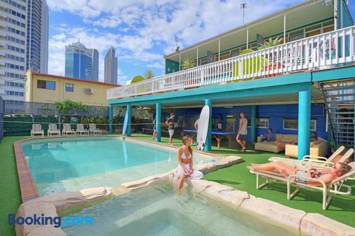 背包客天堂飯店 - 衝浪者天堂 - 游泳池