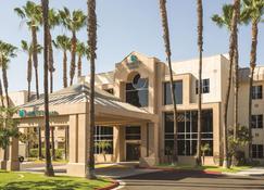 Hyatt House Cypress Anaheim - Cypress - Building