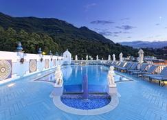 泰爾梅曼茲溫泉酒店 - 卡薩米喬拉特爾梅 - 卡薩米喬拉爾梅 - 游泳池