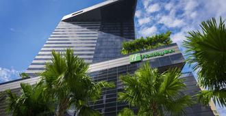 Holiday Inn Bangkok Sukhumvit - Bangkok - Rakennus