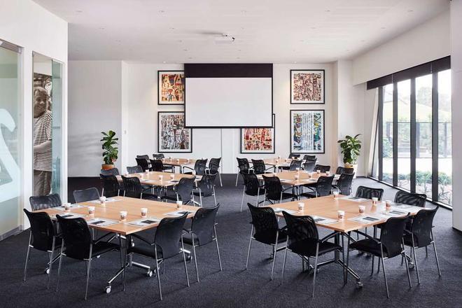 The Larwill Studio Melbourne - Art Series - Melbourne - Restaurant