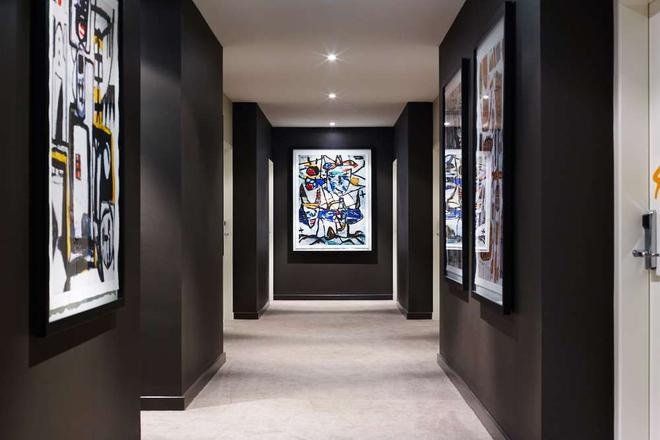 The Larwill Studio Melbourne - Art Series - Melbourne - Hallway