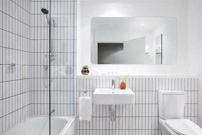 The Larwill Studio Melbourne - Art Series - Melbourne - Bathroom