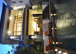 Villa Lea - Kediri - Budynek