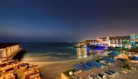 Dubai Marine Beach Resort & Spa - דובאי - חוף