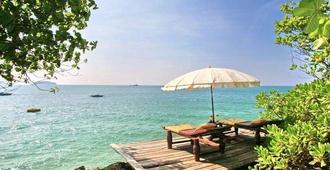 Koh Chang Cliff Beach Resort - Ko Chang - Beach