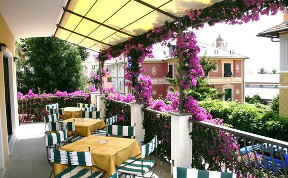 Hotel Miranda ab 83 € (8̶3̶ ̶€̶). Varazze Hotels - KAYAK