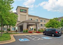 Extended Stay America - St. Louis - Airport - Central - Bridgeton - Building