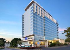 Novotel Makassar Grand Shayla - Makassar - Rakennus
