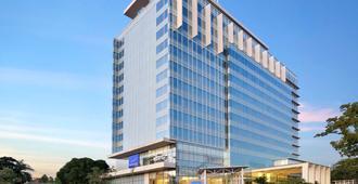 Novotel Makassar Grand Shayla - Makassar - Edificio