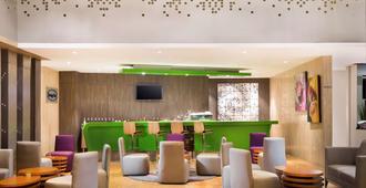 Novotel Makassar Grand Shayla - Makassar - Bar