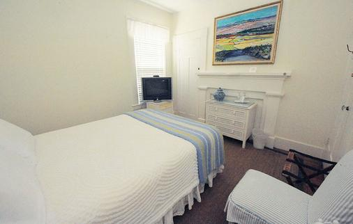 Languedoc Inn & 3 Hussey St Guest House - Nantucket - Phòng ngủ