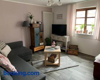 Ferienwohnung Sambachhaus - Gleiszellen Gleishorbach - Living room