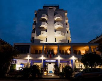 Hotel Villa Sorriso - Сенигаллия - Здание