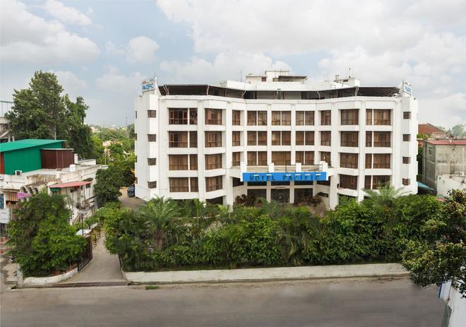 Hotel Pacific Dehradun - Dehradun - Κτίριο
