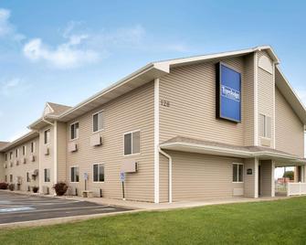 Travelodge by Wyndham Missouri Valley - Missouri Valley - Gebäude