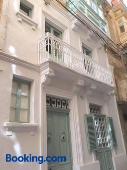 No. 17 Birgu - Birgu - Building