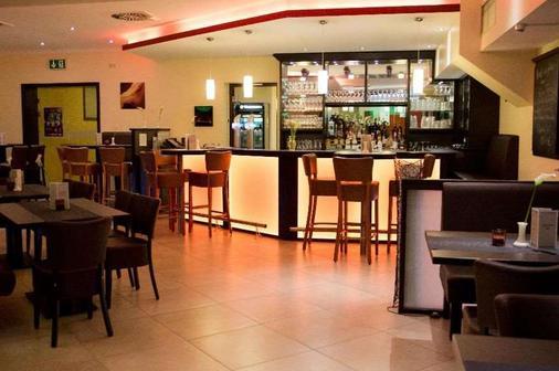 Avalon Hotelpark Königshof - KöNigslutter - Bar