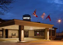 Park Inn by Radisson Toronto-Markham - Markham - Edificio