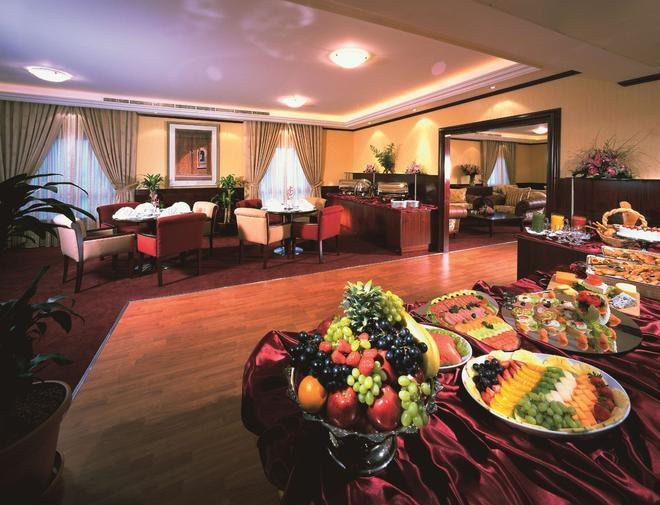 Al Bustan Centre & Residence - Dubai - Bar