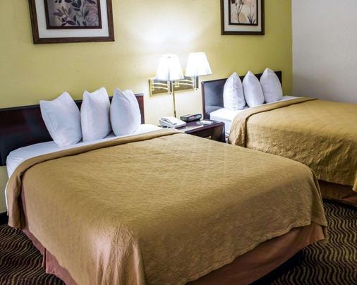 Quality Inn - Rocky Mount - Schlafzimmer