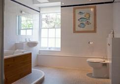 Best Western Priory Hotel - Bury St. Edmunds - Bathroom