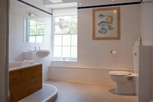 Best Western Priory Hotel - Bury St. Edmunds - Bathroom